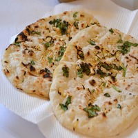 Thumb garlic naan
